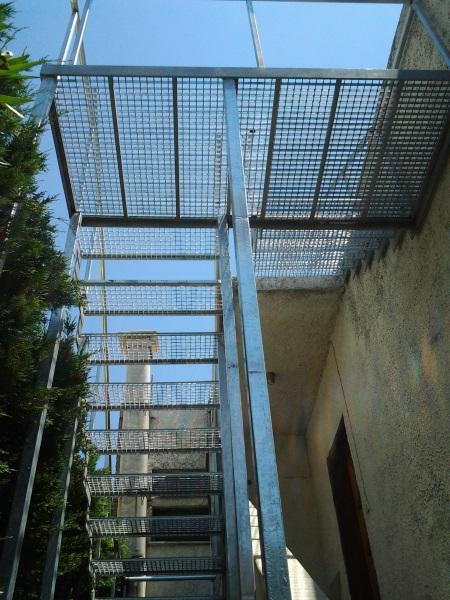 Σκάλες 8