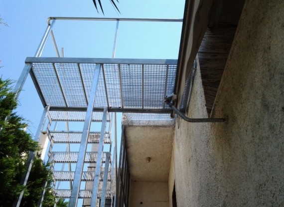 Σκάλες 9